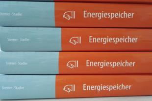 Energiespeicherbuch_525x350